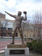 Harryagganis statue