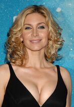 600full-elizabeth-mitchell