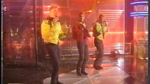 Big Fun - Blame It On the Boogie (TOTP, 1st performance)