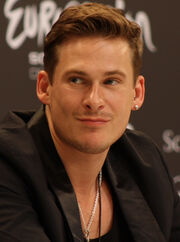 Lee Ryan 2011 cropped