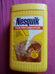 Nesquik-800g-Dose-22011975-retro-Plastikdose-Nestle