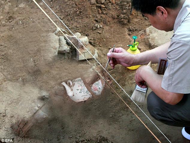 Teapot excavation