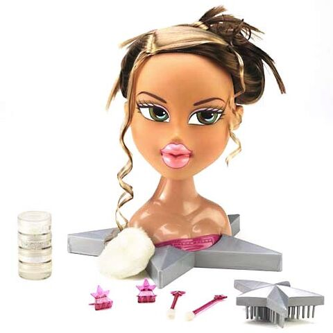 File:Bratz Funky Fashion Makeover Fianna.jpg