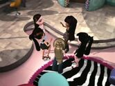 Bratz- Extremely Made-Over p16