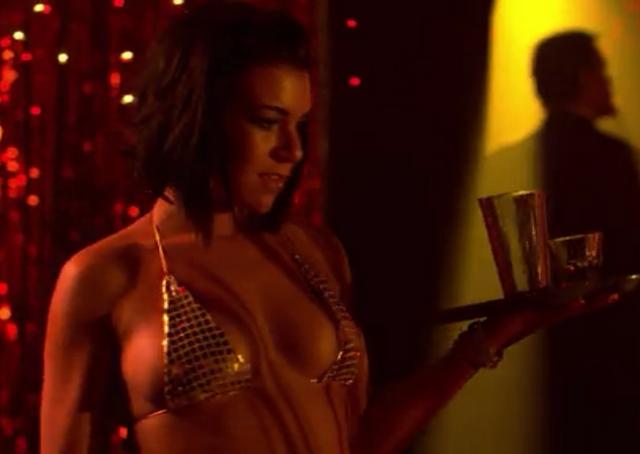 File:Cabaret Waitress - Mas.png
