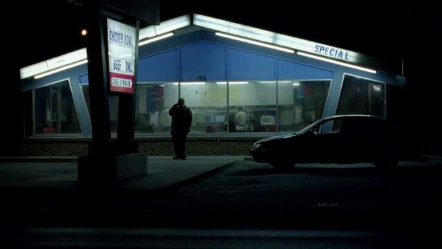 File:1x04 - Combo in front of the diner.jpg