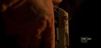 3x12 - Pistola traficante