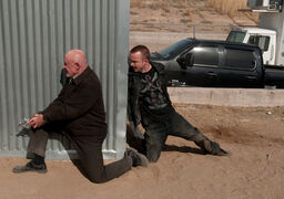 Episode-9-mike-jesse-pinkman