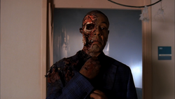 4x13 Gus' face off