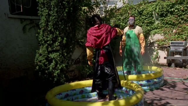 File:1x03 - Washing off Emilio.jpg