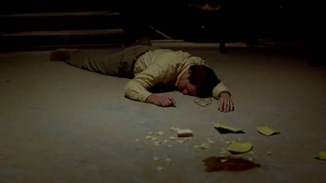 File:1x03 - Walt passes out.jpg