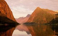 River between orange mountains-1280x800