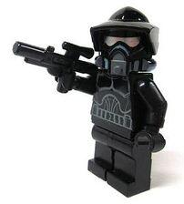 Shadow ARF Trooper met blaster
