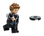 LEGO-Ideas-21314-TRON-Legacy-Sam-Action-1