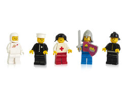 Some-of-the-first-LEGO-minifigures-launched-in-1978