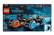 LEGO-Ideas-21314-TRON-Legacy-Box-Front