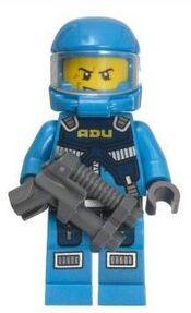 ADU Pilot met pistool
