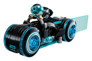 LEGO-Ideas-21314-TRON-Legacy-Set-Blue-Bike-Action