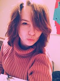 Bridgit Mendler Kiss Selfie Redhair 2018