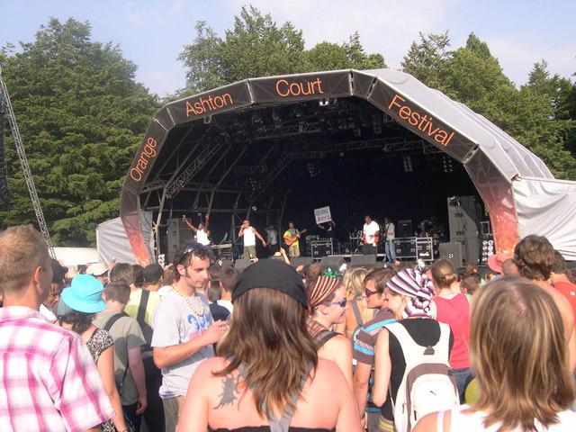 File:Ashton Court Music Festival - geograph.org.uk - 415800.jpg