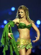 Britney-spears-dream-within-a-dream-tour-i-m-a-slave-for-you