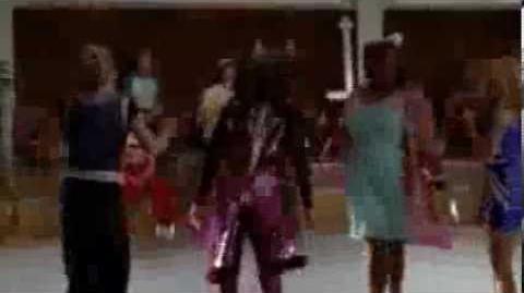 Glee-Wannabe (Full Performance)