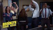Gina Gets The Internet Back Brooklyn Nine-Nine