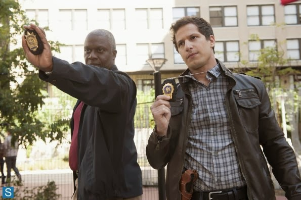 File:Brooklyn Nine-Nine - Episode 1.02 - The Tagger - Promotional Photos (4) 595 slogo.jpg