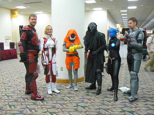 File:Mass Effect costumes at GenCon.jpg