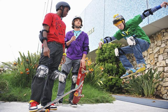 File:Zeke and luther.jpg