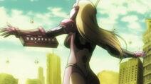 Himiko protects Ryota