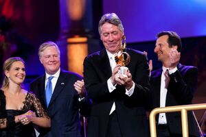 "The Max Steiner Film Music Achievement Award is presented to Alan Silvestri at the gala concert ""Hollywood in Vienna"