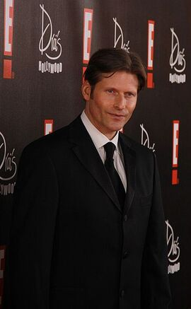 371px-Crispin-glover-03072010