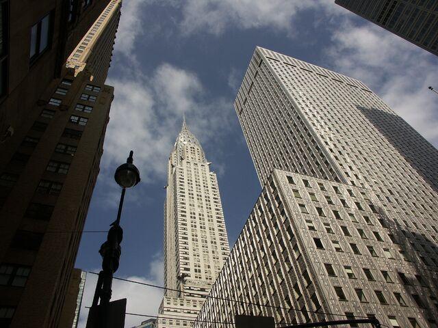 Plik:Chrysler building from street 2.jpg