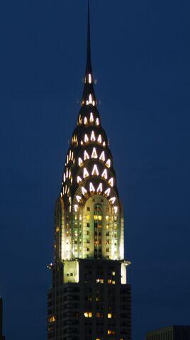 Plik:Chrysler Building at night.JPG