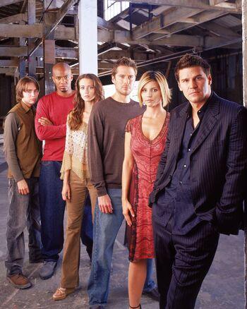 Wanneer doen Buffy en Angel hook up