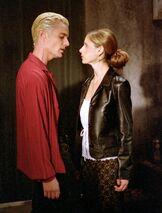 BuffySpikeBuffyOMWF still