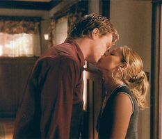Buffy-Riley-season-5-buffy-the-vampire-slayer-2256293-600-514