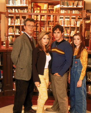 File:Buffy-the-vampire-slayer-season-1-promo-hq-03-1500.jpg