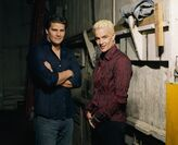 David-boreanaz-e-james-marsters-in-una-immagine-promo-della-stagione-3-di-buffy-111131