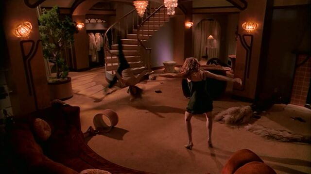 File:Glory's Mansion living room tough love.jpg