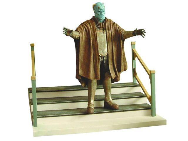 File:The Judge Statue.jpg