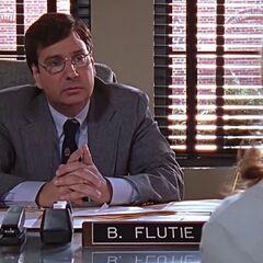Flutie dans son bureau