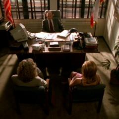 Snyder dans son bureau