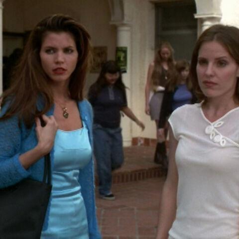Cordelia porte le pendentif de Anya après qu'elle que cette dernière le lui est doué