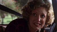 Joyce lors du premier jour de Buffy à Sunnydale