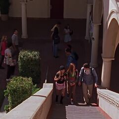 Escaliers de la cour carré