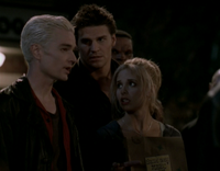 Spike revient à Sunnydale, seulement pour provoquer plus d'ennuis à Buffy