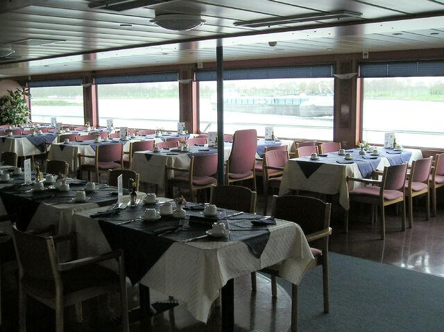 檔案:Henri dunant 3 restaurant.jpg