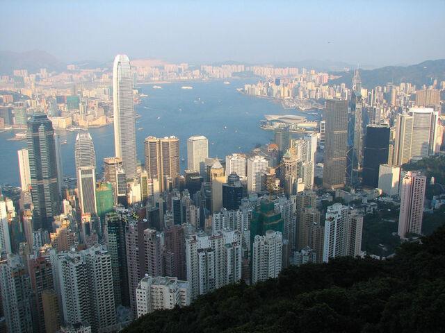 檔案:800px-Hong Kong view from The Peak 01.jpg